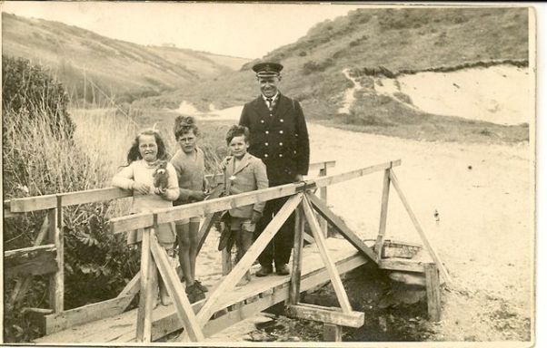 Beach Hotel Bridge Picture from Friends of Pendower Website - History
